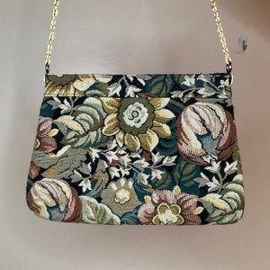 La Regale floral purse with zipper